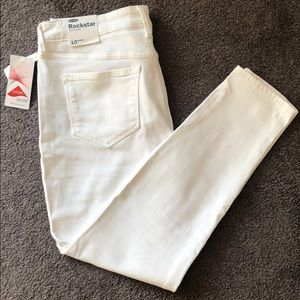 🔸NWT🔸Old Navy   Rockstar White Jeans